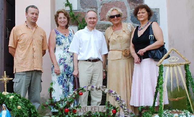 Iš kairės: PLB Valdybos vicepirmininkas Petras Maksimavičius, PLB Valdybos pirmininkė Regina Narušienė, URM ULD atstovas Algimantas Misevičius, PLB atstovė Lietuvoje Vida Bandis, LLB valdybos pirmininkė Irena Gasperavičiūtė | V.Žilionio nuotr.